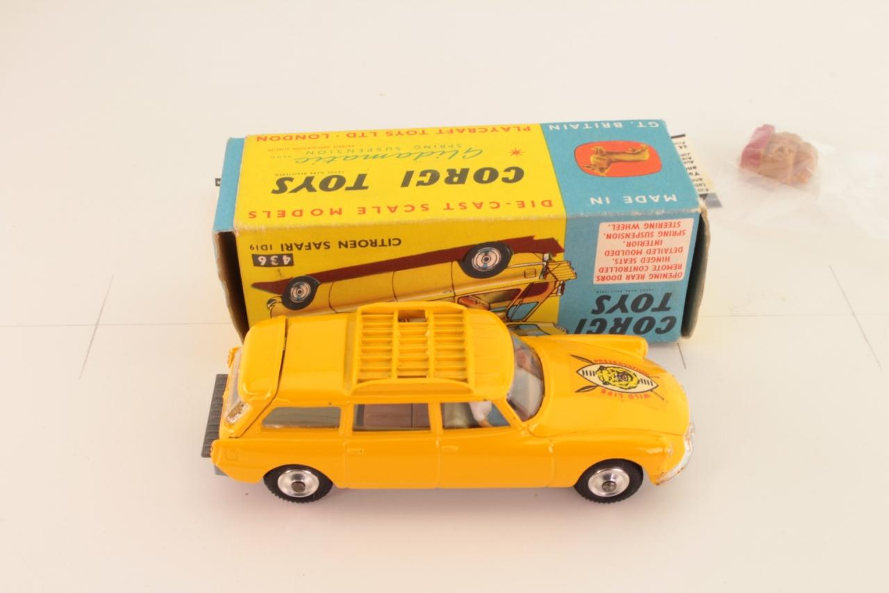 Corgi #436 - Citroen Safari ID 19 - Yellow