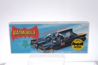 Polar Lights #POL821 - Batmobile Kit with Batman and Robin - Black