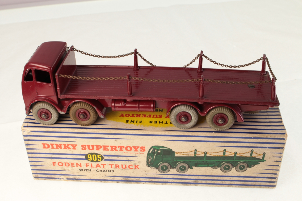 Dinky #905 - Foden Flat Truck with Chains - Maroon