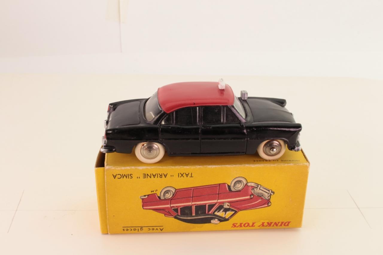 Dinky #24ZT - Simca Ariane Taxi - Black