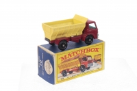 Matchbox #70b - Ford Gritter - Red/Yellow